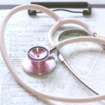勤務医の医師が会社設立して給料やバイト代を節税し、所得税を減らす