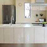 冷蔵庫や洗濯機など、大型家電製品を経費化する方法や仕訳とは